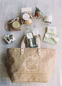 wedding welcome bags your guests will love weddingsonlineae With wedding gift bag ideas