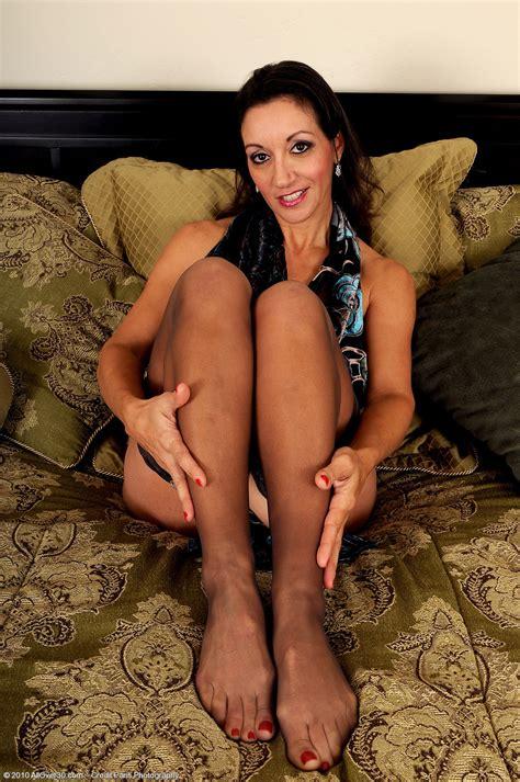 Sexy Persia Monir