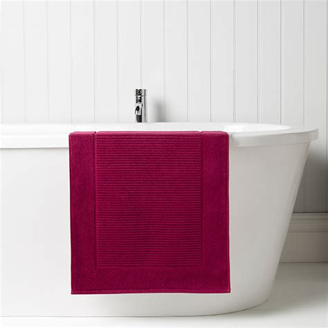 christy supreme hygro bath mat raspberry christy