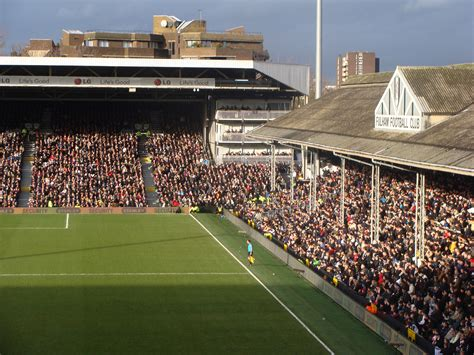 craven cottage fulham file craven cottage stands 2009 fulham v spurs jpg