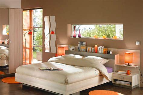 deco chambre orange une chambre exotique en taupe et orange chambres marron
