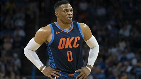 russell westbrook injury update thunder star leaves game