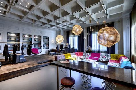 Young and Dynamic Office Design for a Textile Company by
