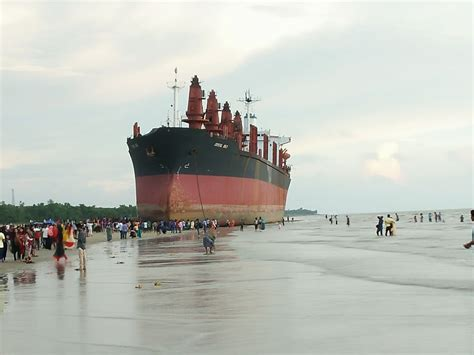 parki sea beach explore beautiful sea beach  chittagong
