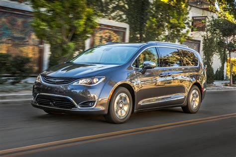 2018 Chrysler Pacifica Hybrid Minivan Pricing  For Sale