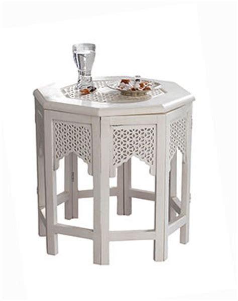 canapé style marocain table basse orientale pour un salon chic