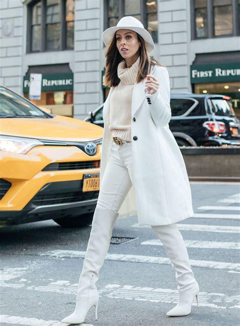 3 Tips for Wearing Winter White Weiße stiefel Overknee