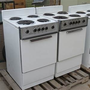 Pair of apartment size kitchen stove ranges apartment for Apartment size ranges