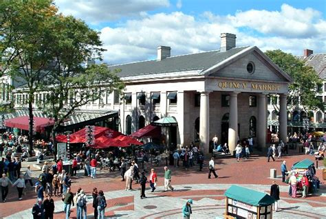 Quincy Market, Boston - Opening times, what to see ...