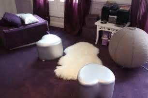 chambre aubergine et blanc deco chambre gris blanc mauve
