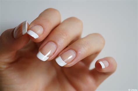manucure le retour des basiques chlokeispolished nail
