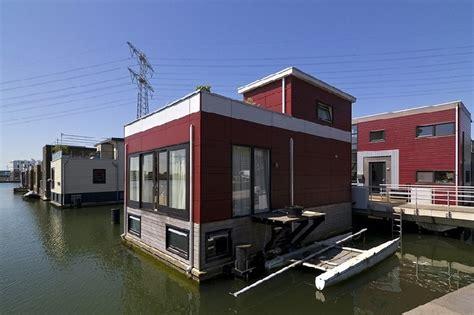 beginilah rumah anti banjir  belanda mancanegara