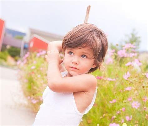 frisur junge kleinkind frisuren fuer kleine jungs lange haare modern sportlich look lennert