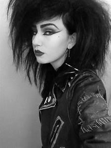 80 S Punk Rock Hair And Makeup