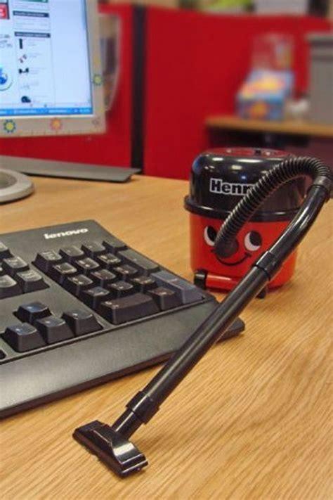 gadgets de bureau 25 best ideas about henry vacuum on gadgets
