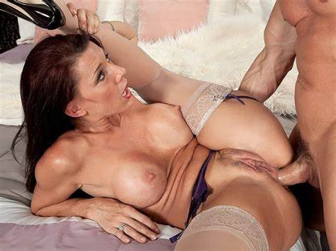 Brunette With Sporty Knows Free 40 Plus Mommy Rammed