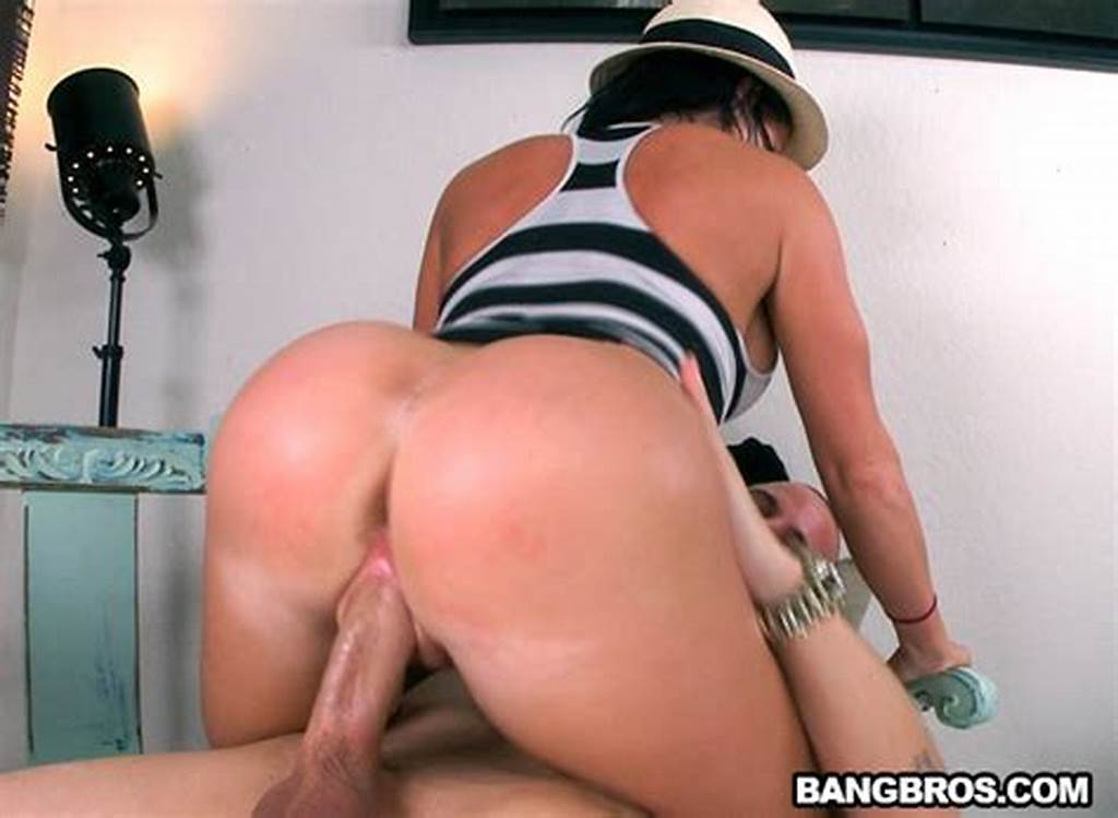 #Big #Round #Booty #Gets #Fucked #With #Nikki #Delano