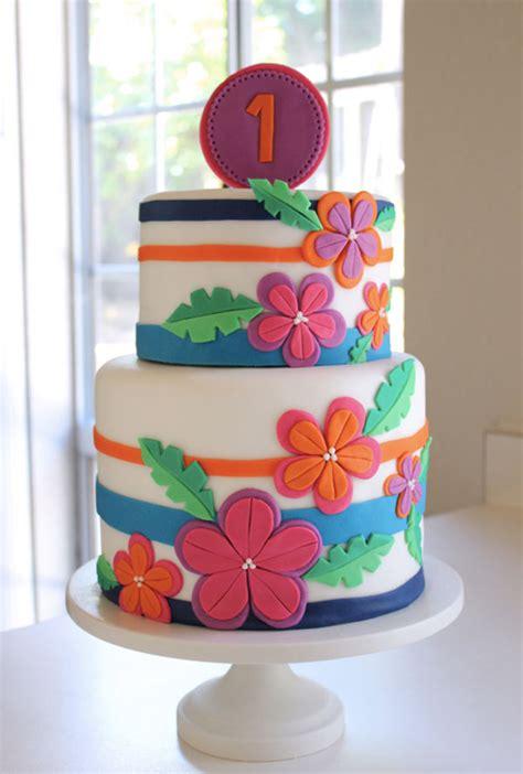 8 Tropical Themed Cake Beauties Aloha, Hawaii