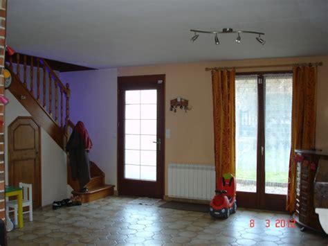 repeindre une cuisine en bois salon salle à manger peinture 2 couleurs