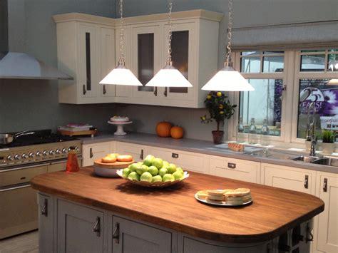 Small Square Kitchen Design  Kitchen Decor Design Ideas
