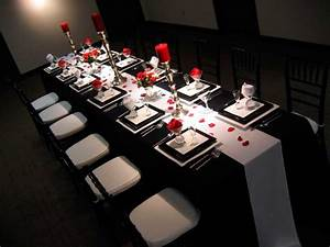 Well Known Red And Black Table Cloths PE06