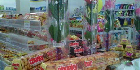jelang valentine paket coklat kondom hebohkan malang