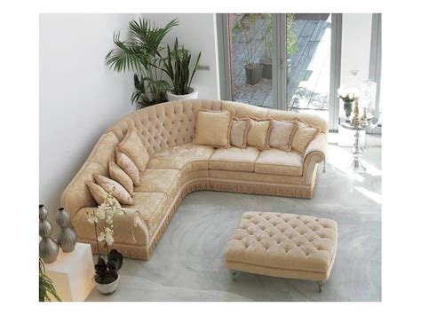 Buttoned Sofa In Luxury Classic Style