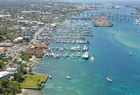 nassau harbour club hotel marina in nassau bahamas marina reviews phone number marinas com