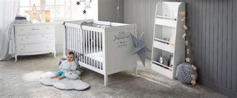 décorer une chambre de bébé les indispensables pour aménager la chambre de votre bébé