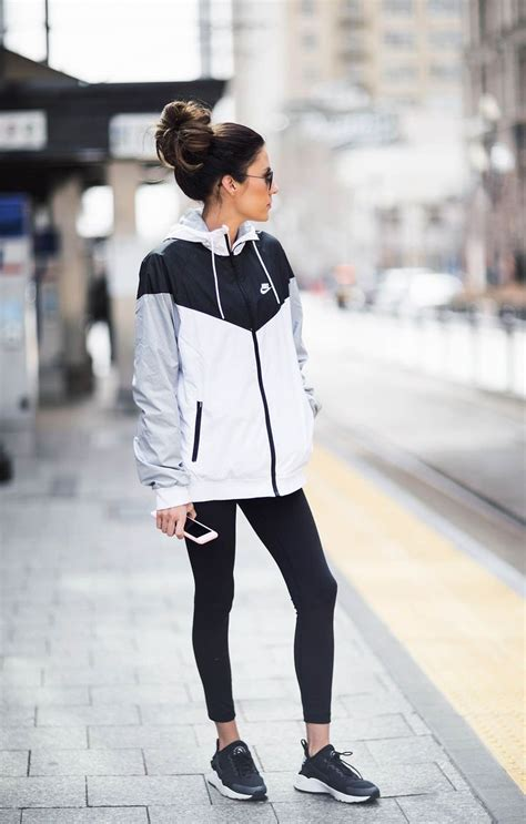 25+ Best Ideas about Sporty Outfits on Pinterest | Athletic outfits Sporty style and Nike outfits