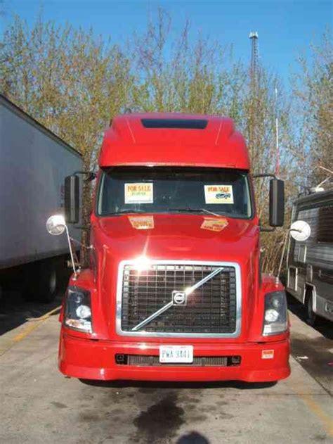 red volvo truck volvo vnl 64t 2007 sleeper semi trucks
