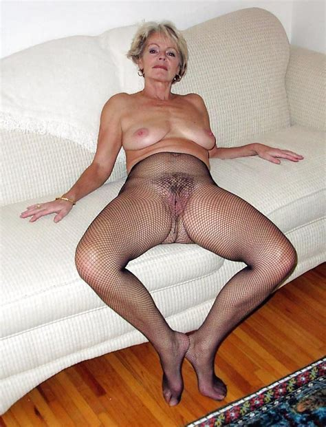 Justine A Mature Blonde Posing On A Couch Pics Xhamster Com