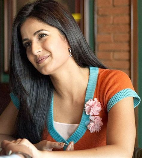 Straight Hairstyles for Girls with Long Hair in Pakistan
