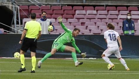 Koeman Blames VAR As Real Madrid Beat Barcelona 3-1 In El ...