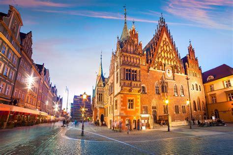 夕暮れのヴロツワフ マーケット広場の風景 ポーランドの風景 ...