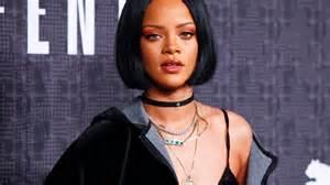 Rihanna Red Carpet Grammys by Rihanna To Play Marion Crane On Bates Motel