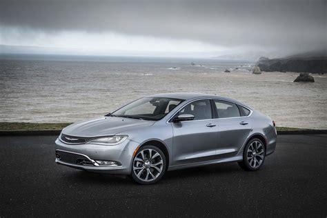 2015 Chrysler 200 Review