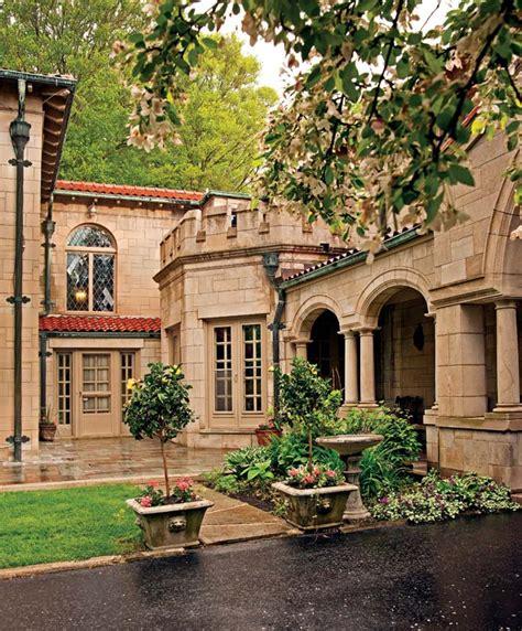 reviving  castle  house  michigan restoration design   vintage house