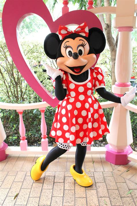 minnie mouse disney parks wiki powered by wikia