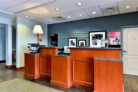 front desk me hton inn ellsworth bar harbor updated 2017 hotel