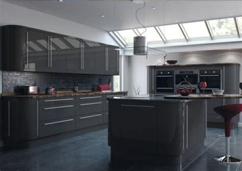 cuisine cagnarde grise cuisine gris anthracite 56 idées pour une cuisine chic