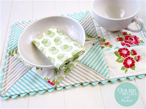 mug rug patterns quilted mug rug with napkin pocket sew4home