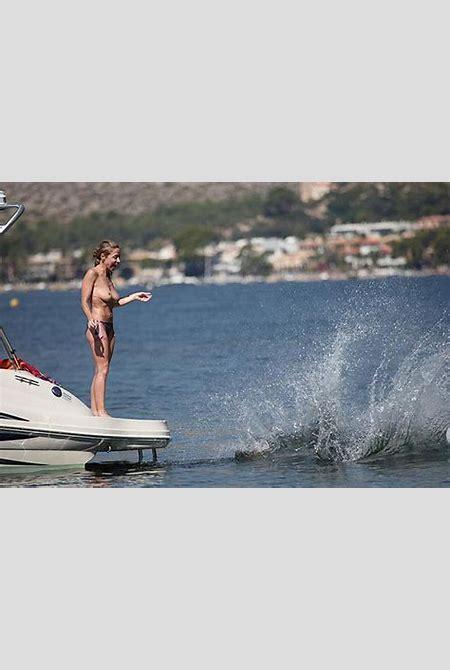 Sarah-Jane Honeywell Bikini on Boat & Naked with Chips and ...
