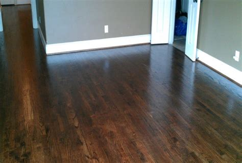 Best Laminate Wood Flooring For Dogs & Other Pets