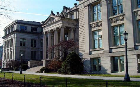 university  iowa ui ui academics  admissions