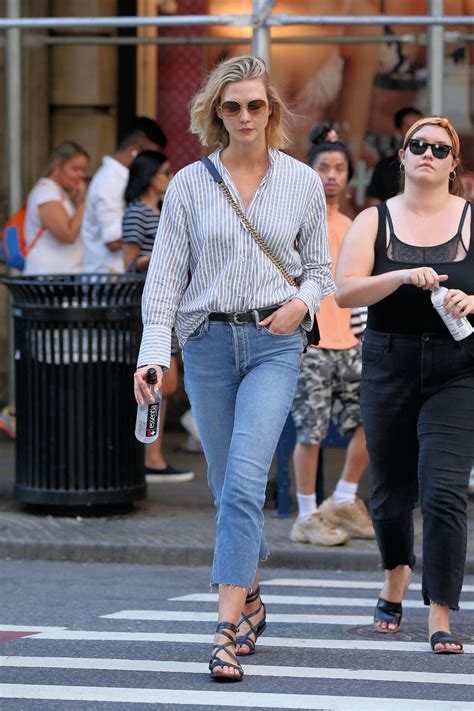 Karlie Kloss Out For Ddinner New York