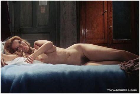 Ellen Hoog Sports Nude