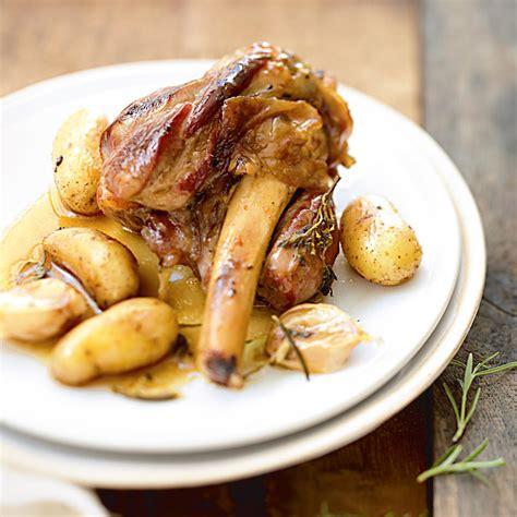 cuisiner les abats d agneau recette souris d agneau confites à l ail
