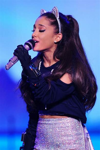 Ariana Grande Concert Performing Pittsburgh March Performs
