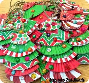 1000 ideas about school christmas party on pinterest santa handprint ornament santa